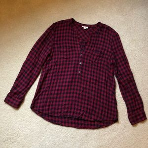Soft Joie red buffalo check 3 button top/ m